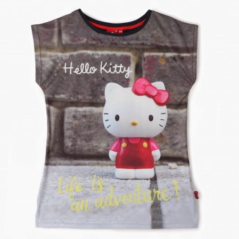 Hello Kitty Graphic Print T-shirt with Short Sleeves
